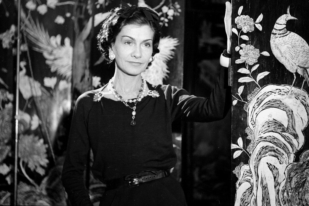coco chanel in tinerete