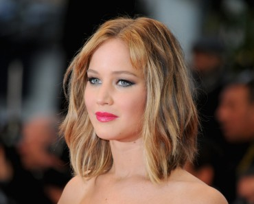 """CANNES, FRANCE - MAY 18:  Actress Jennifer Lawrence attends """"Jimmy P. (Psychotherapy Of A Plains Indian)"""" Premiere during the 66th Annual Cannes Film Festival at Grand Theatre Lumiere on May 18, 2013 in Cannes, France.  (Photo by Traverso/L'Oreal/Getty Images)"""