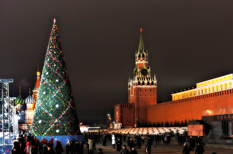 New Year's tree on Red Square. The Spasskaya Tower. The chimes. Moscow. Russia.