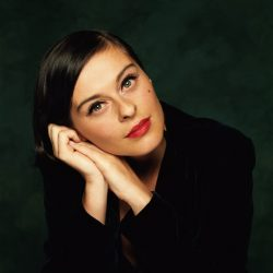 Piesa de Noapte Bună: Lisa Stansfield- All Around the World